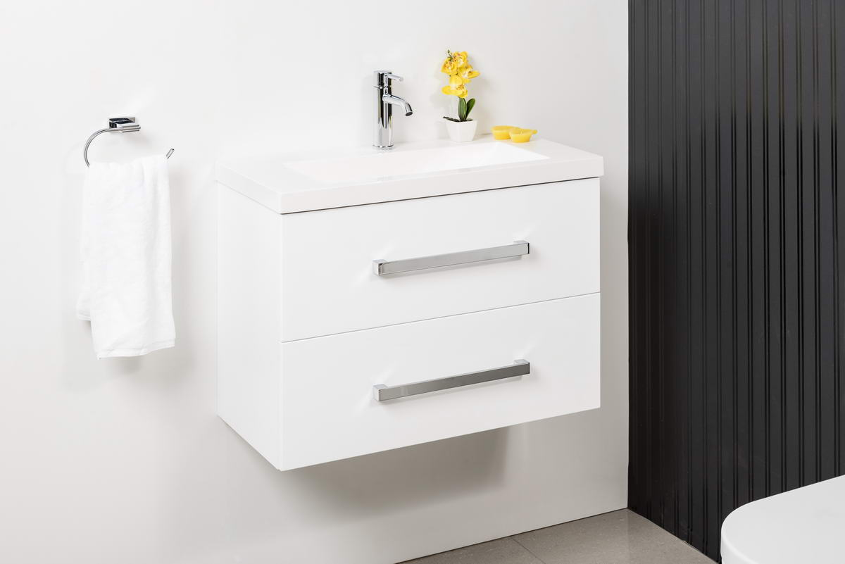 ENSUITE 750 WALL HUNG WITH ENSUITE POLYMARBLE TOP